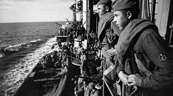 1941-1942 – Оборона Севастополя и битва за Крым. На палубе крейсера «Красный Крым».